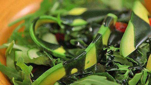 nuoc-sot-salad-spirulina